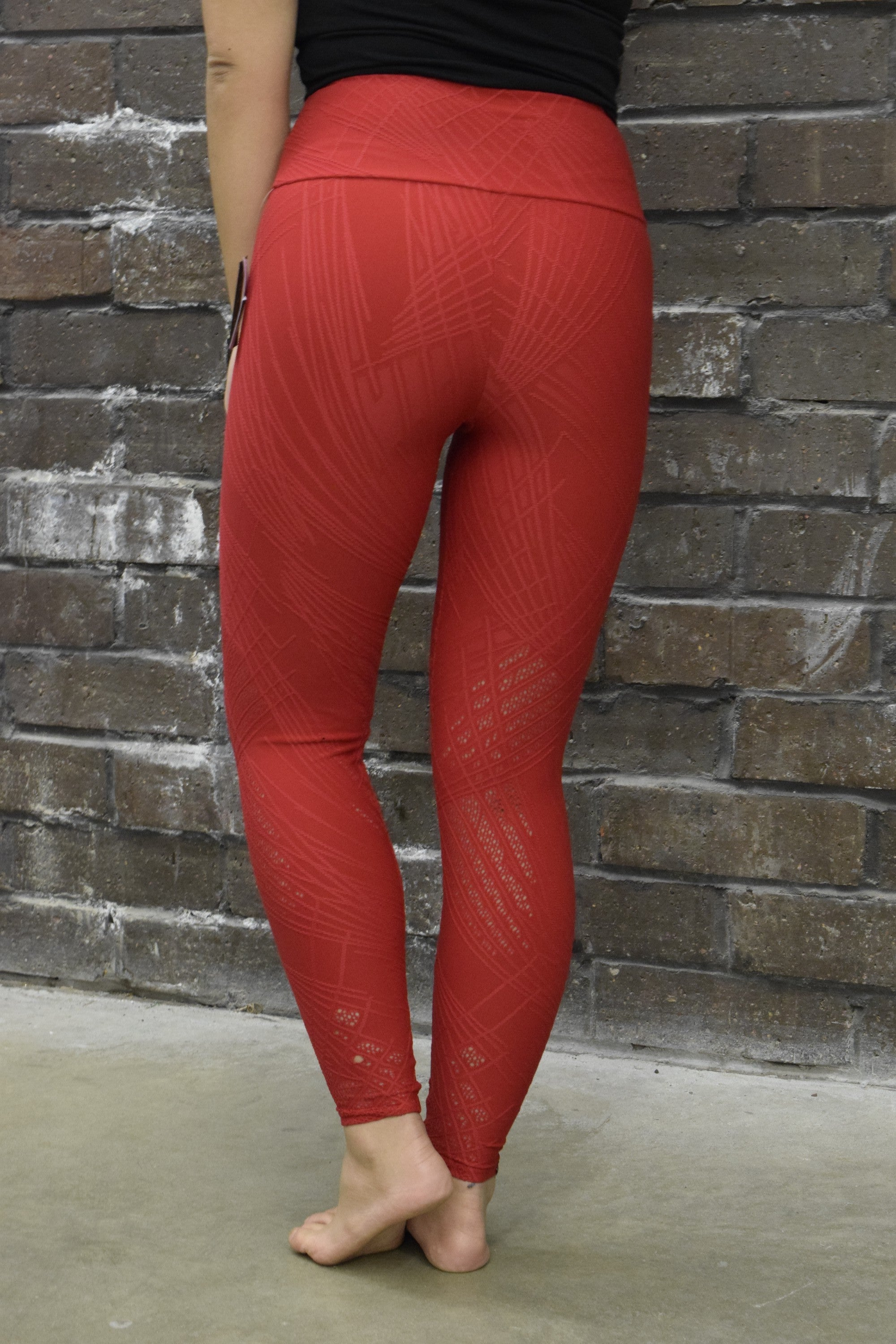 ONZIE RED SELENITE MIDI LEGGINGS