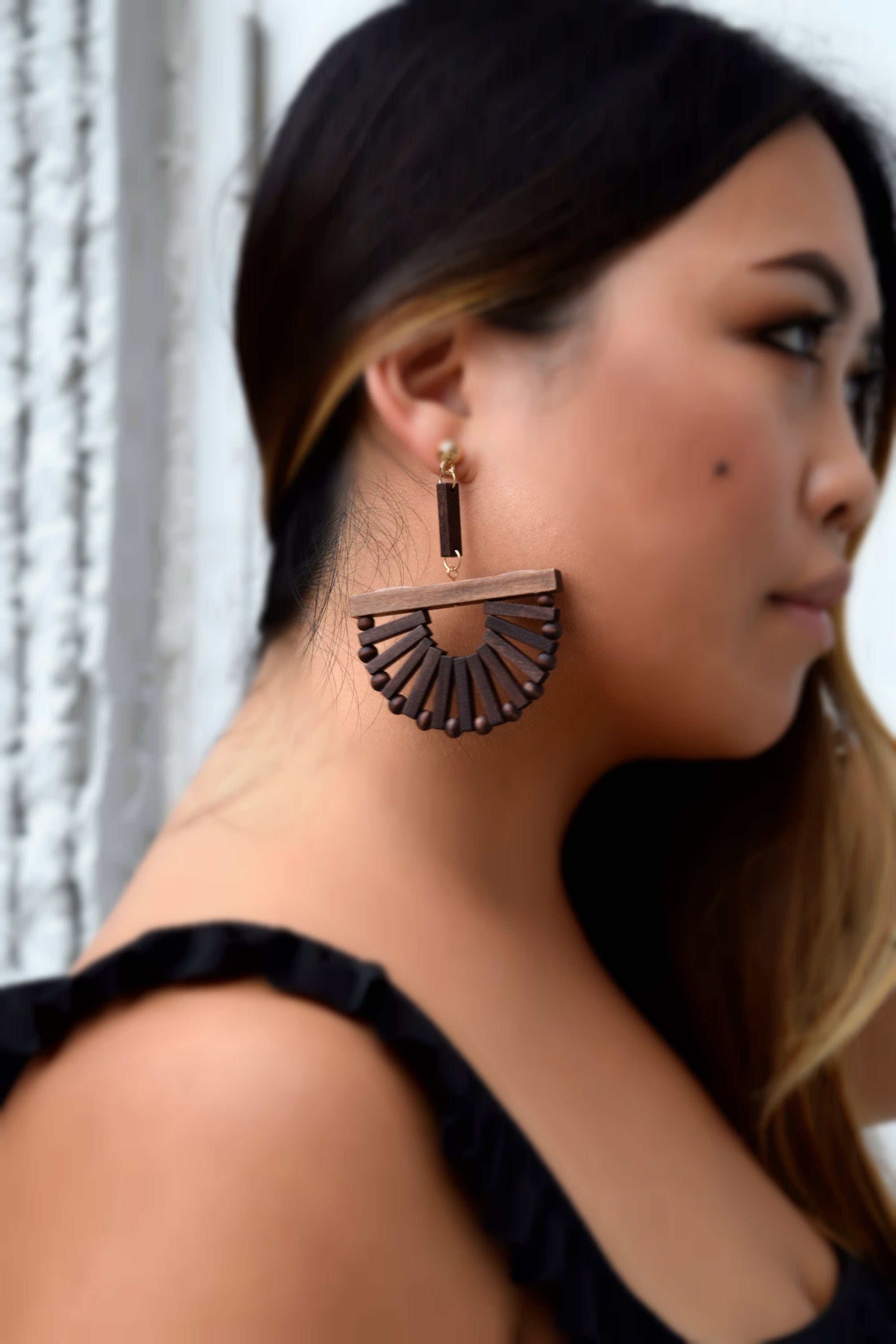 INTO THE WOODS SEMI CIRCLE EARRING
