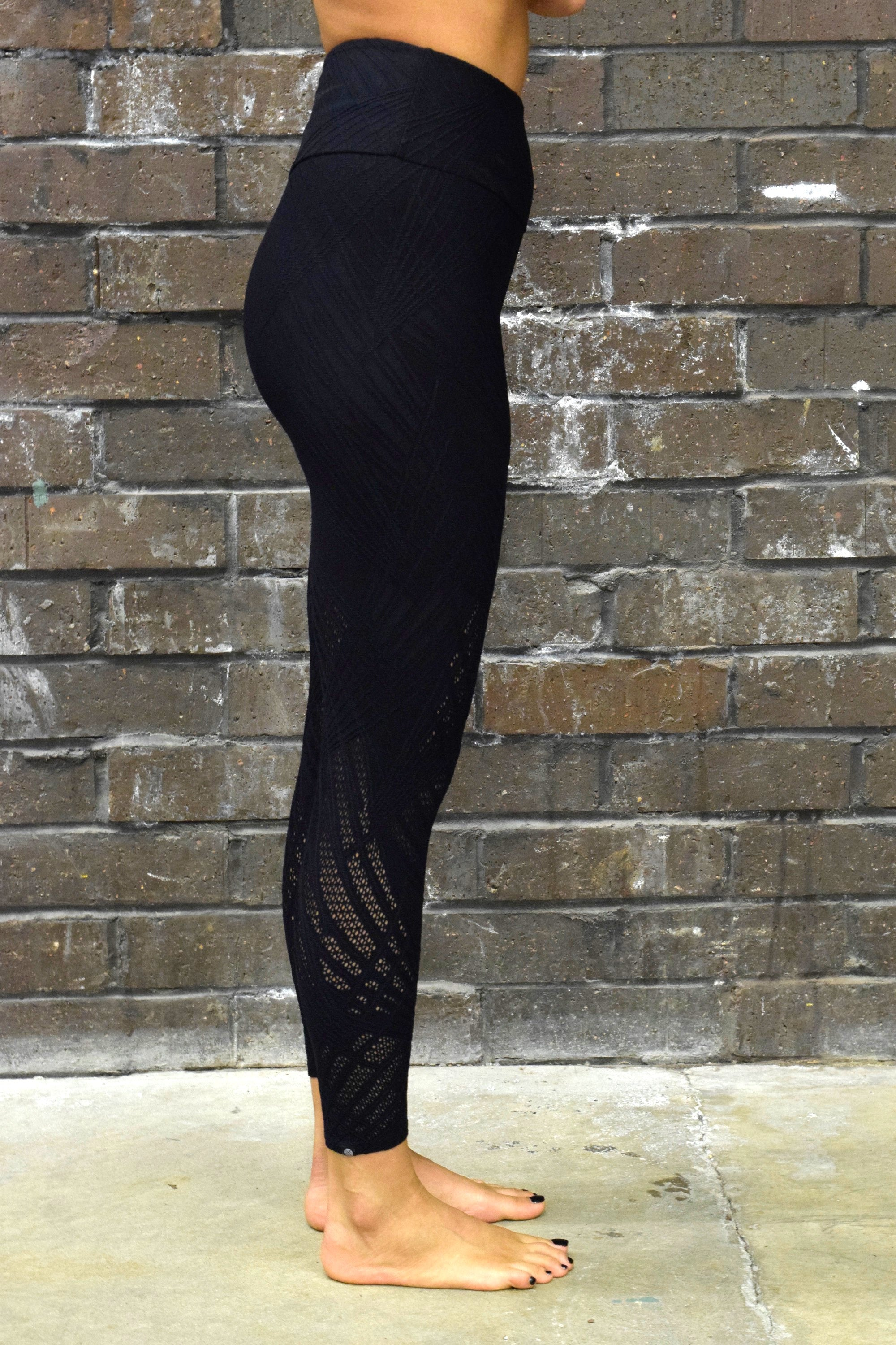 ONZIE BLACK SELENITE MIDI LEGGINGS