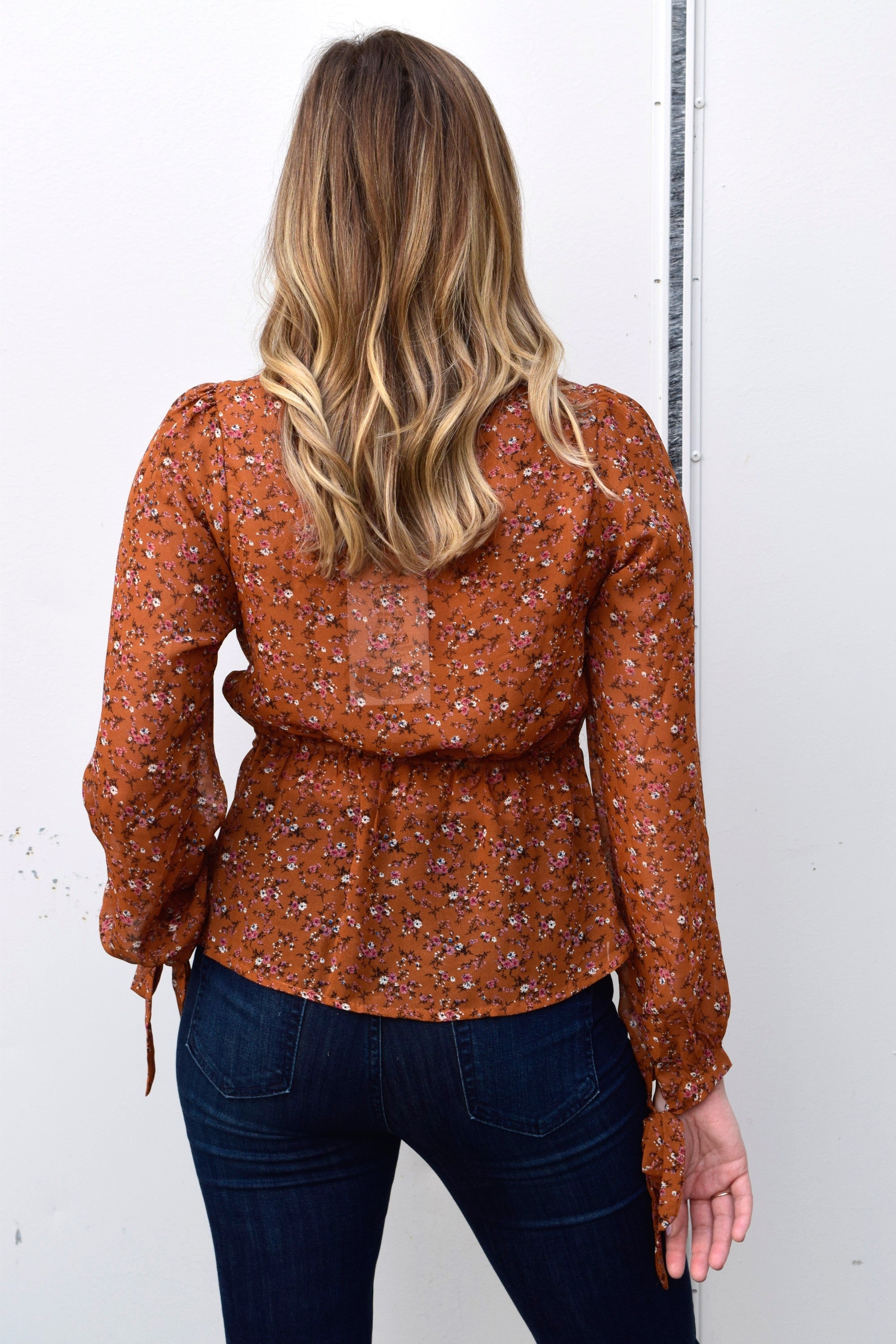 GOT TO GET GROWING RUST FLORAL TOP