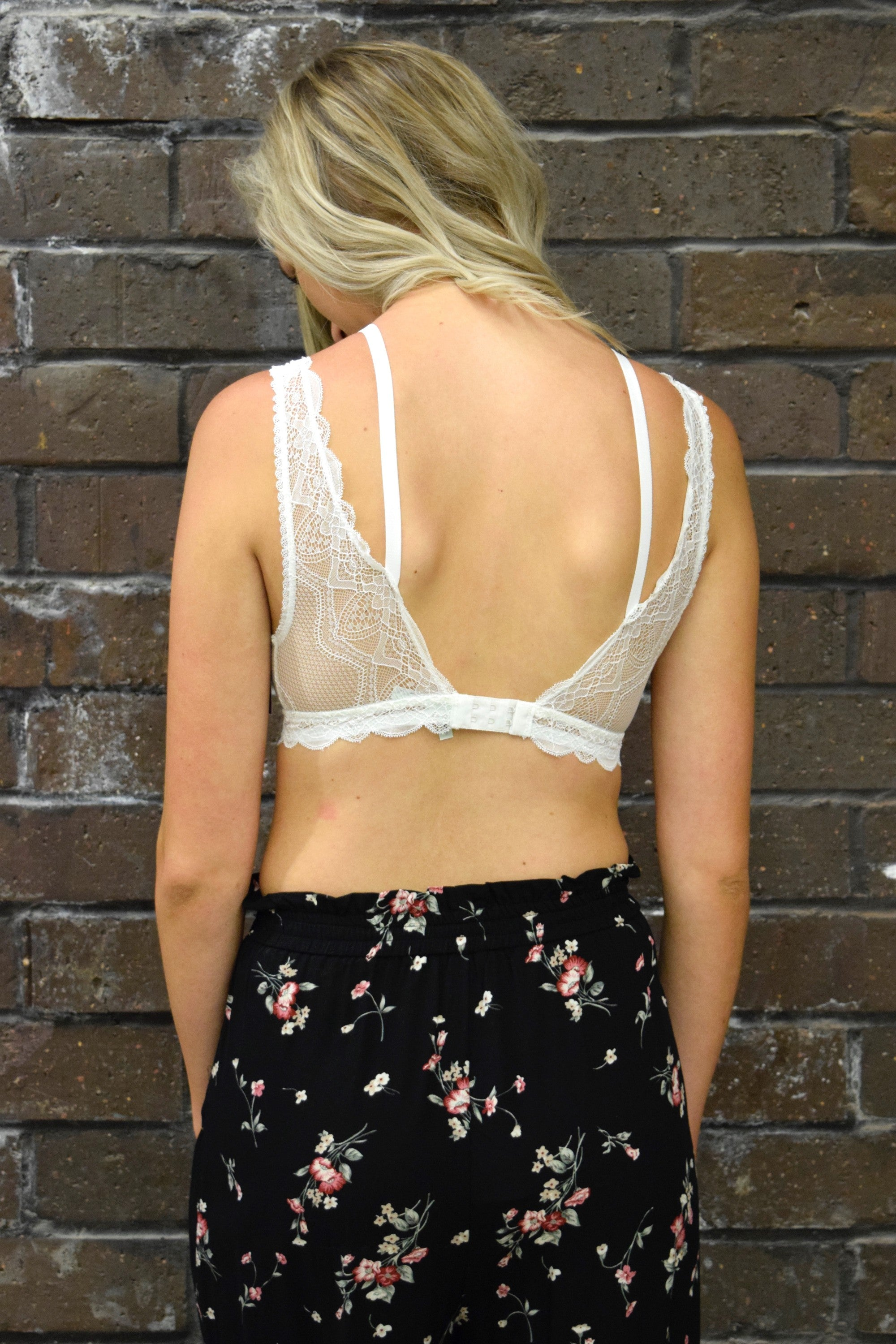 DOUBLE LAYER LACE BRALETTE: WHITE