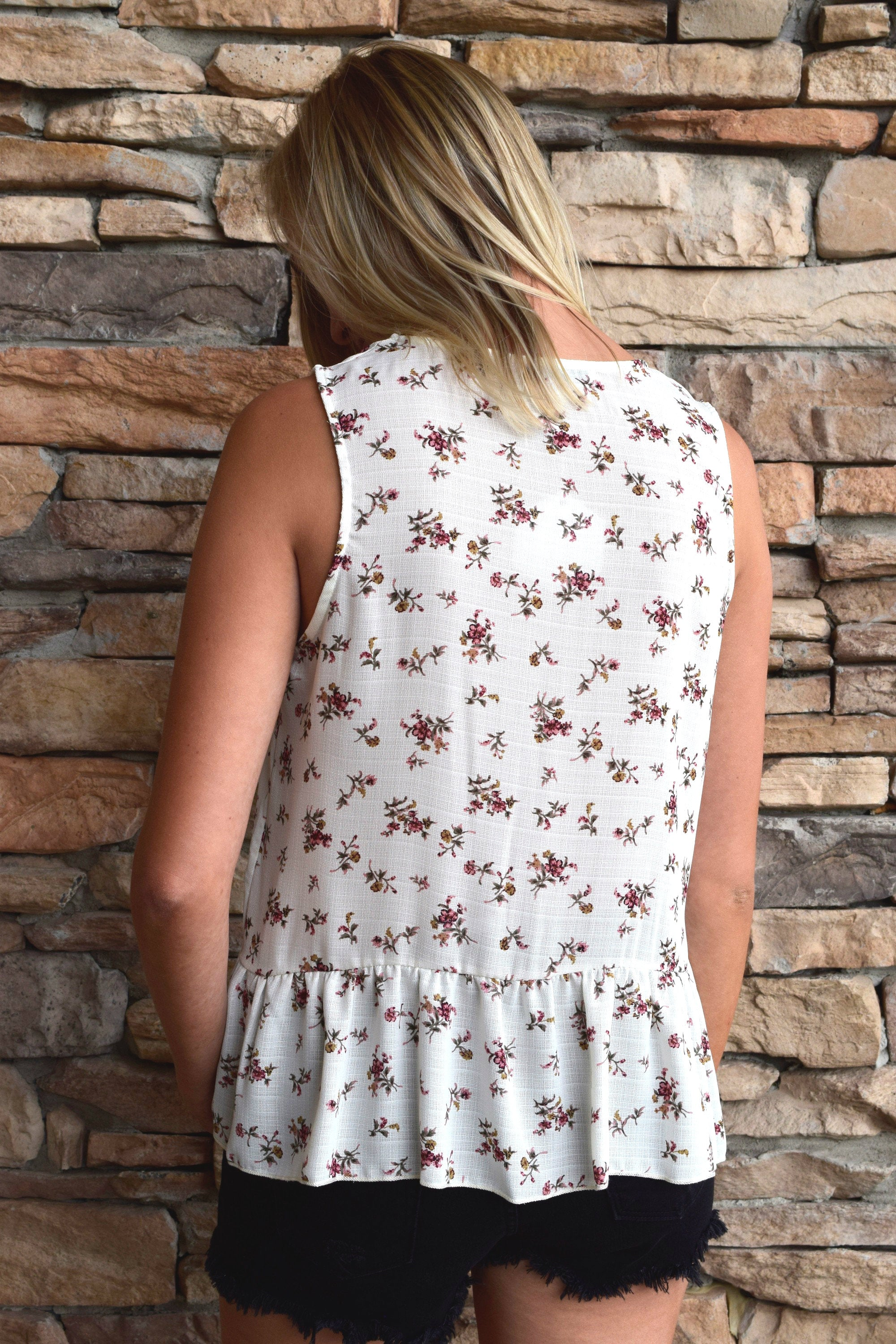 LUCKY ME IVORY FLORAL TANK
