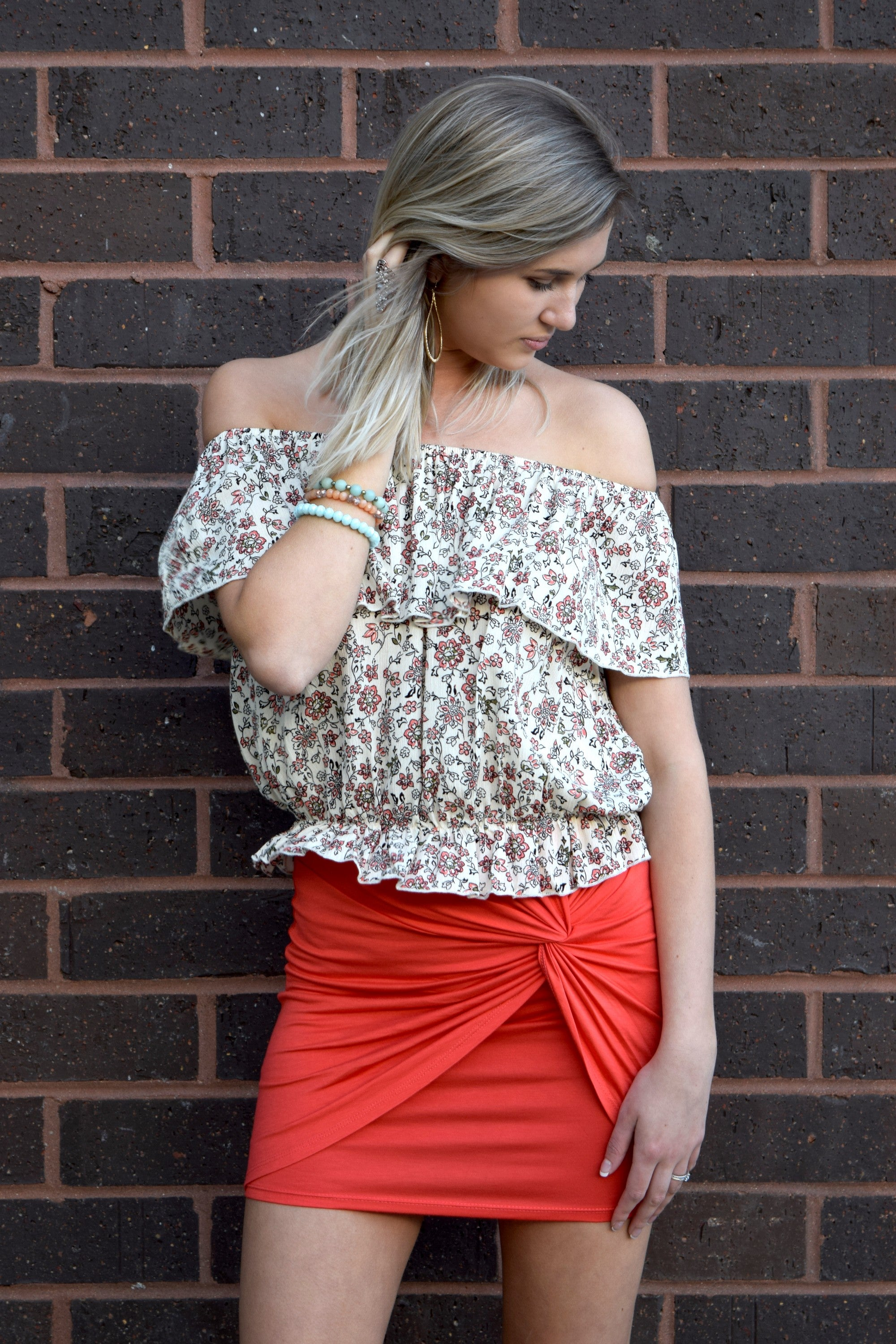 FLORAL FEELS TAUPE FLORAL TOP