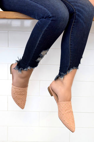 BLUSH TO THE POINT MULES