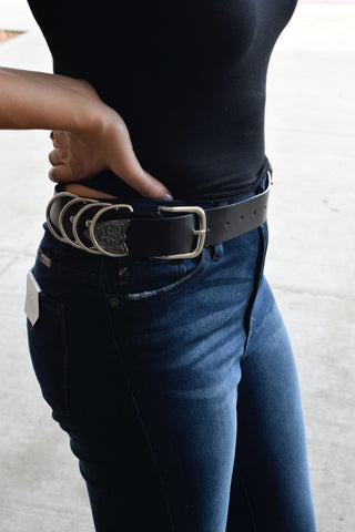 black double buckle hoop detail belt