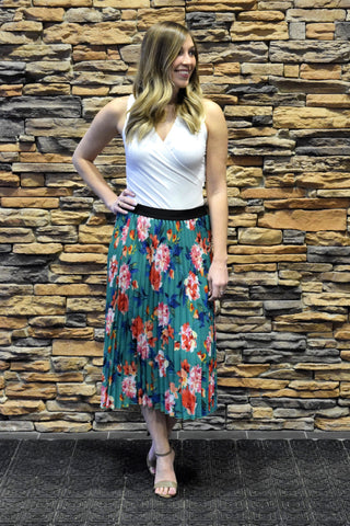 EAGER TO PLEAT EMERALD FLORAL SKIRT