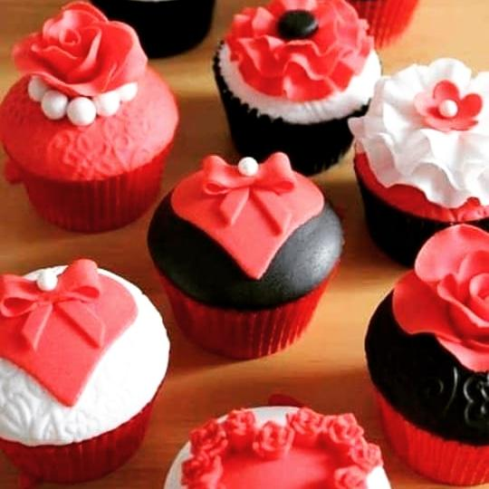 valentine cup cake - aklabaity delivers best home made food