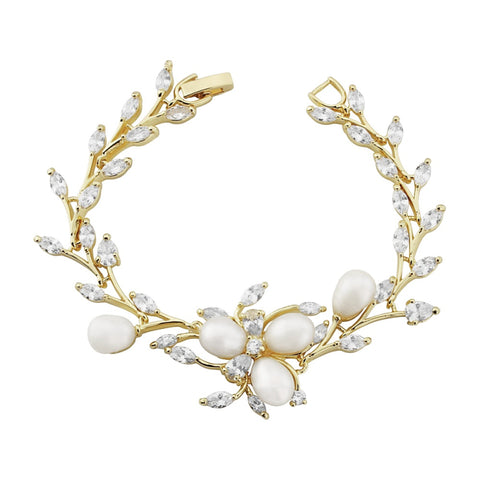Chic Pearl Bridal Bracelet In Gold
