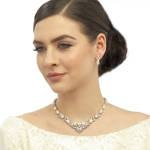Chic Pearl Necklace & Earrings Set