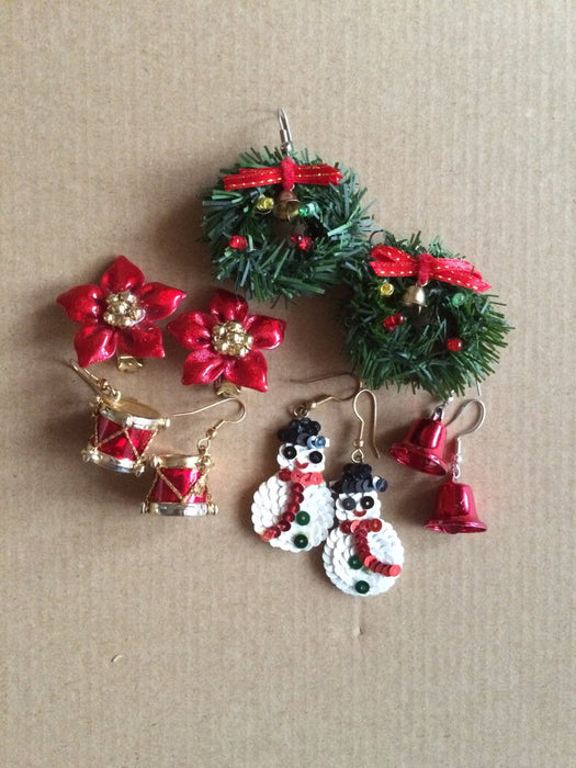 Vintage Lot of 5 Pairs of Handmade Christmas Themed Hooked Earrings, Christmas Party Holiday jewelry, Christmas handmade gift, gift for her