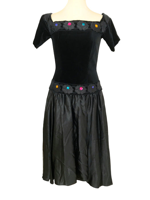 80s Vera Mont Jewelled Black Velvet And Taffeta Boned Glam Gothic Embroidered Roses Appliqued Evening Occasion Christmas Prom Party Dress