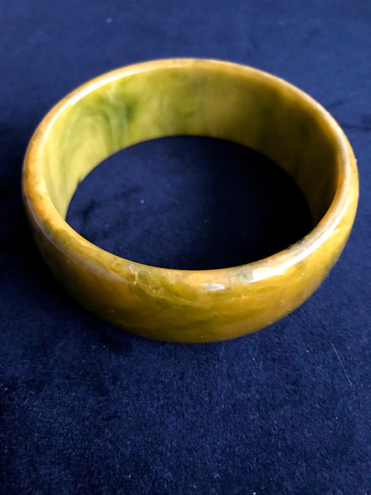 30s-40s Genuine Bakelite Bangle Bracelet Two Tone Marbled Olive Green & Mustard Yellow Butterscotch End of Day Color Change Tested Authentic