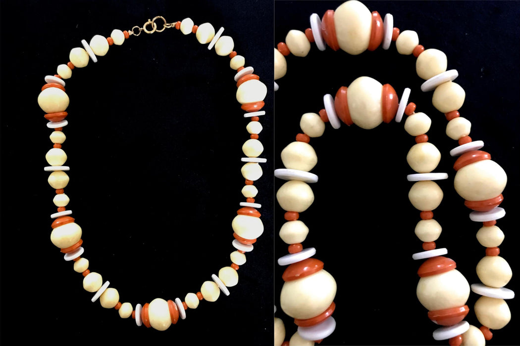 Vintage Genuine BAKELITE Necklace : An amazing Find!