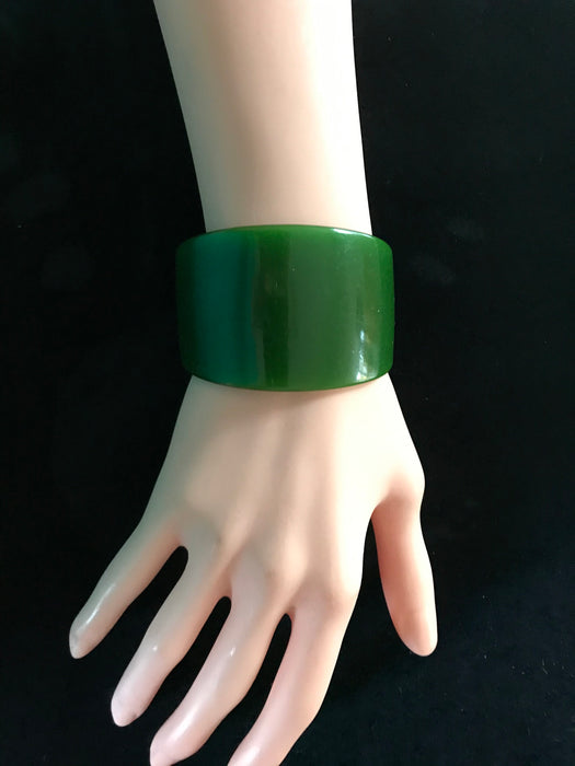Art Deco Extra Wide Genuine Bakelite Cuff Bracelet, Translucent Forest Green Lime Chartreuse Change of Color RARE Bracelet Tested Authentic