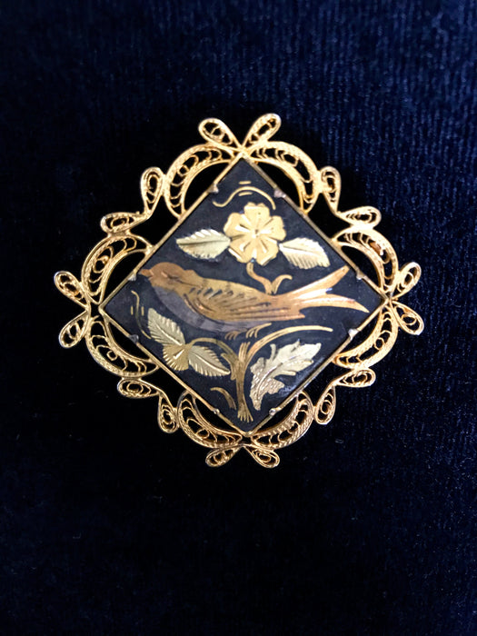 50s Vintage DAMASCENE Bird Brooch Pin, Filigree Floral Dove Gold Foil Trombone Clasp Square Black Gold Tone Metal Gift Lapel Scarf Shawl Pin
