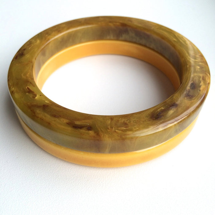 40s Set of 2 Vintage Deco Thick Bakelite Split Pea Swirl Marbled and Cream Corn Yellow Bangle Bracelets Tested Authentic