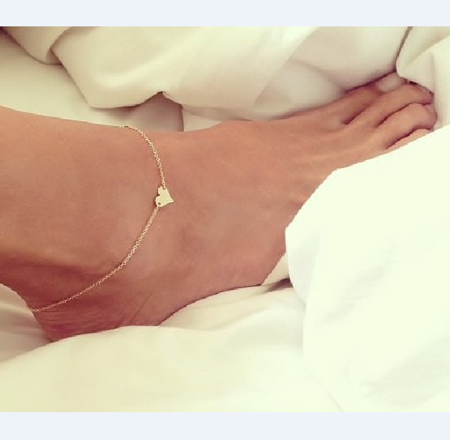 Sweatheart Pattern Plated Golden Metalic Anklet