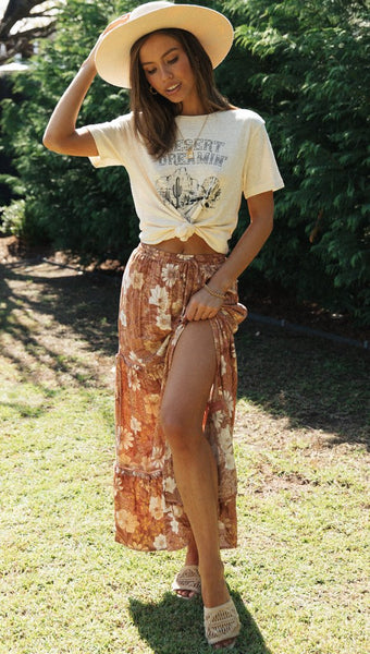 Desert Graphic Knot Cropped Tee