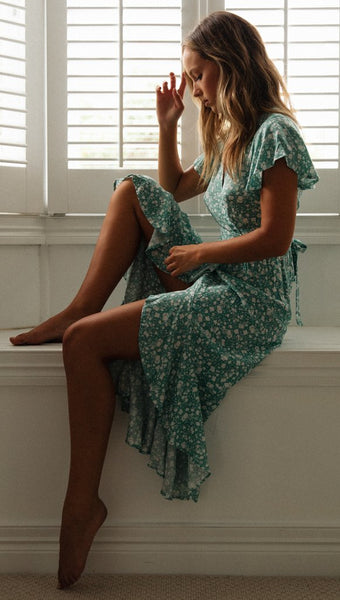 Green Floral Waist-Tie Surplice Hi-Lo Dress
