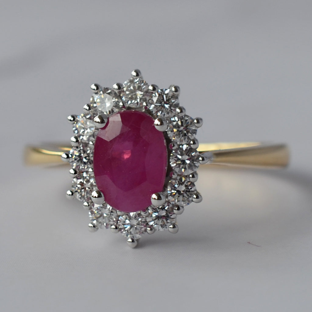 18ct Yellow Gold Ruby & Diamond Oval Cluster Ring