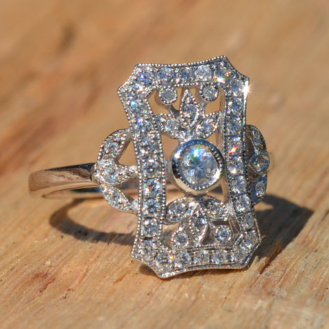 18ct White Gold Vintage Style Diamond Shield Ring