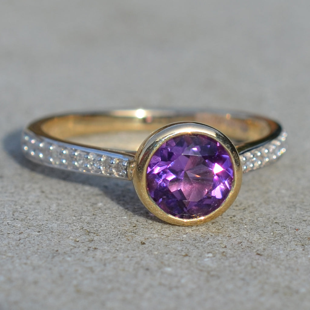9ct Yellow Gold Amethyst & Diamond Solitaire Ring