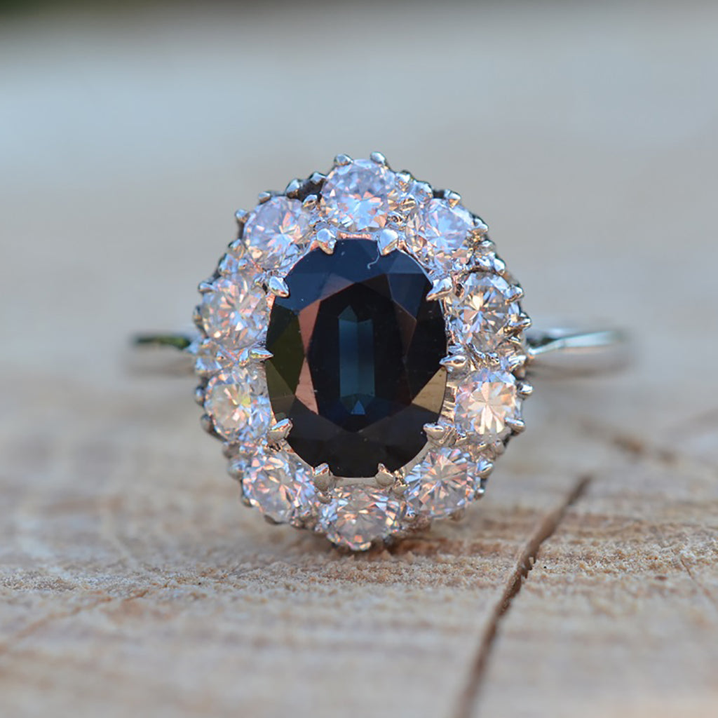 Secondhand 18ct Sapphire & Diamond Oval Cluster Ring