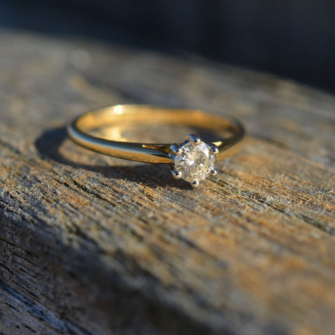 18ct Yellow Gold Diamond Solitaire