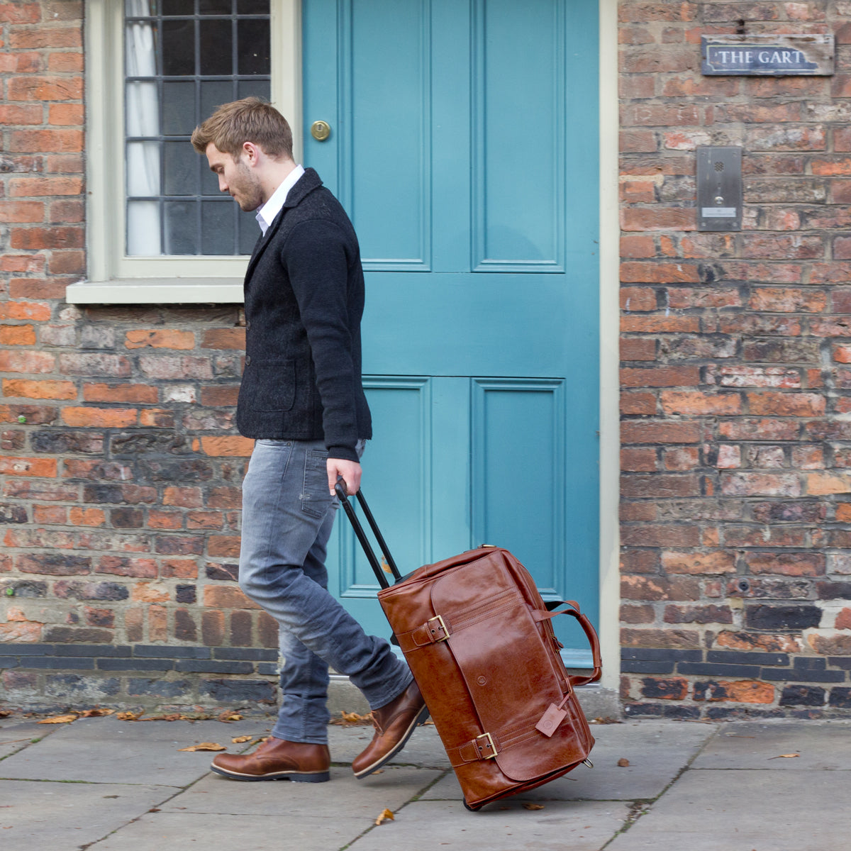 Image 7 of the 'Dino' Brown Veg-Tanned Leather Wheeled Holdall