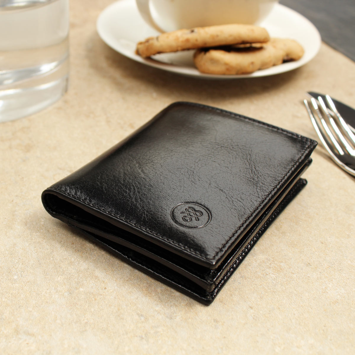 Image 8 of the 'Rocca' Black Veg-Tanned Leather Wallet