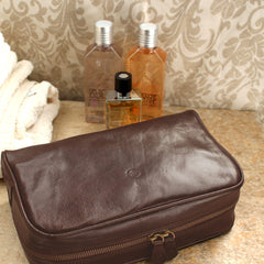 Image 6 of the 'Raffaelle' Black Veg-Tanned Leather Wash Bag