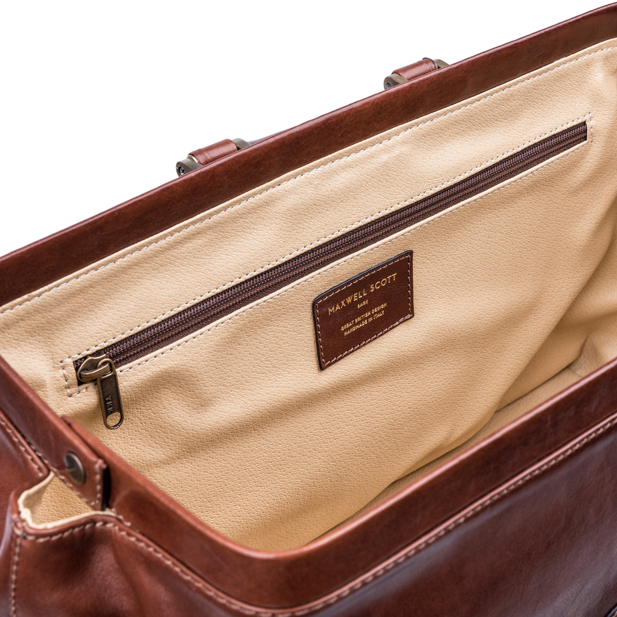 Image 7 of the Large ''Donnini' Chestnut Veg-Tanned Leather Doctor's Bag