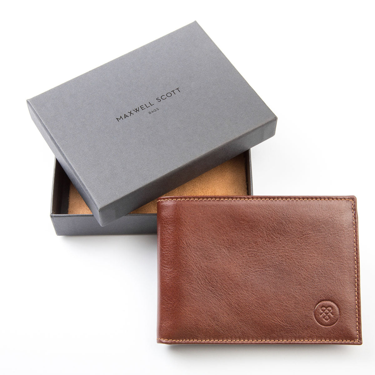 Image 7 of the 'Gallucio' Chestnut Veg-Tanned Leather Tri Fold Credit Card Wallet