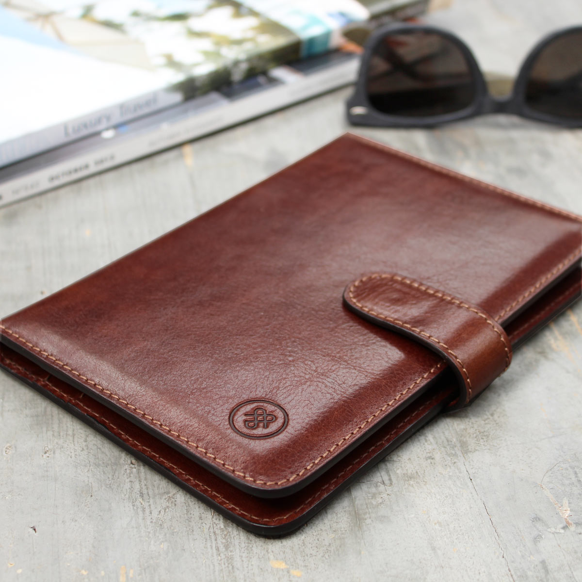 Image 7 of the 'Vieste' Chestnut Veg-Tanned Leather Travel Wallet