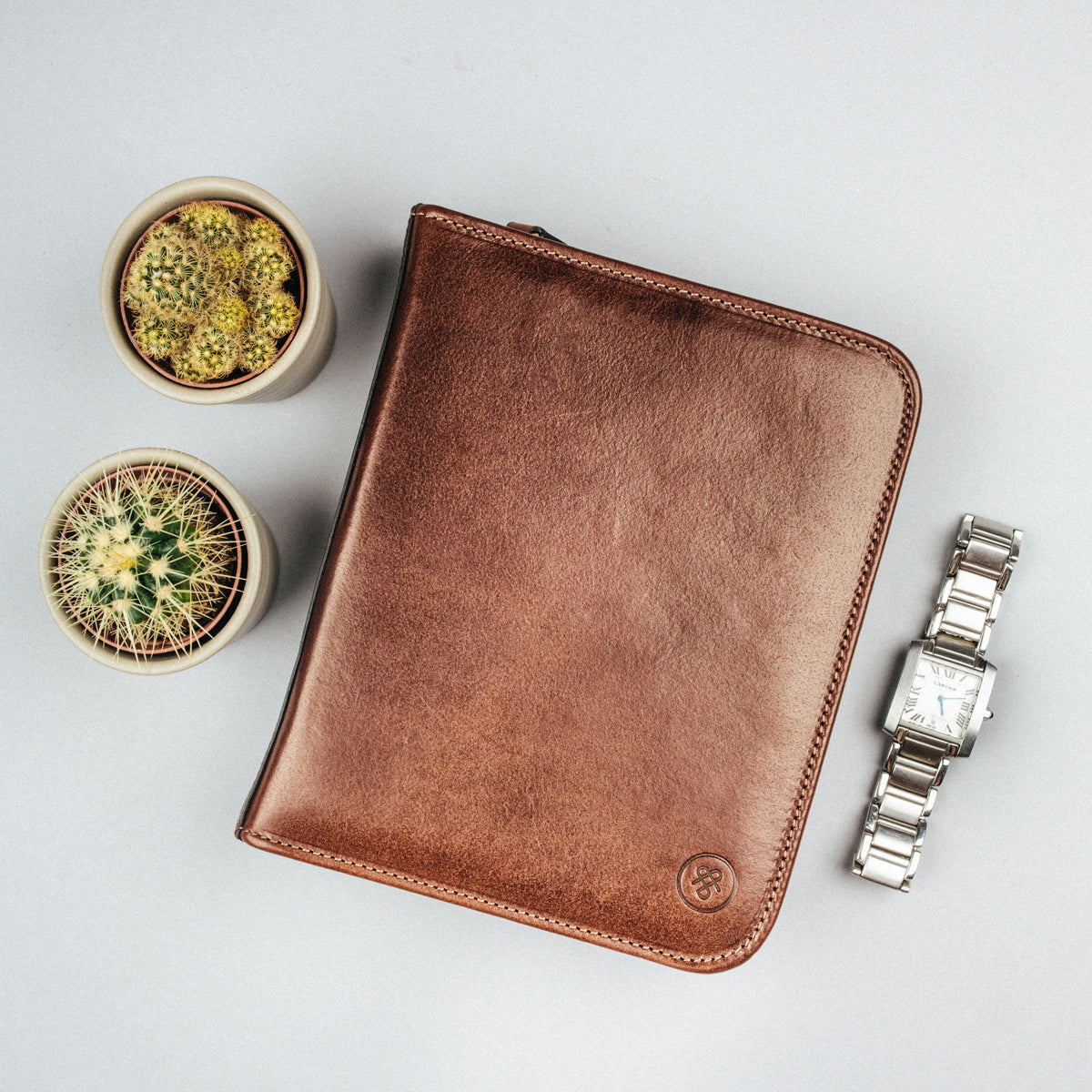 Image 5 of the 'Atella' Chestnut Veg-Tanned Leather Watch Presentation Case