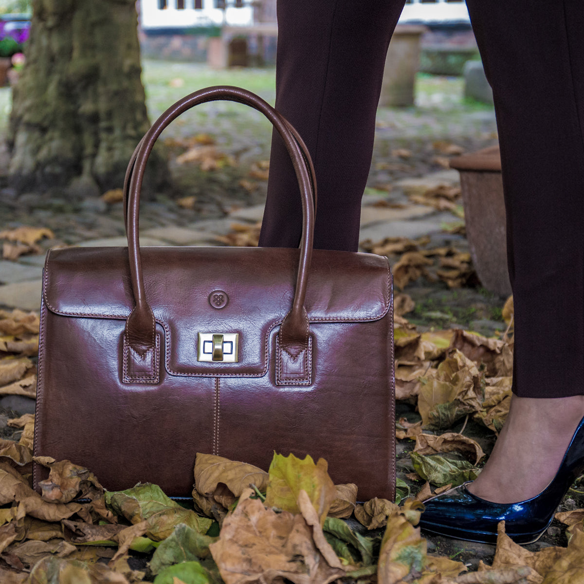 Image 8 of the 'Fabia' Black Veg-Tanned Leather Workbag