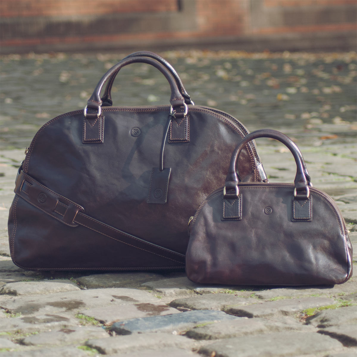 Image 8 of the 'Liliana' Dark Chocolate Veg-Tanned Leather Holdall