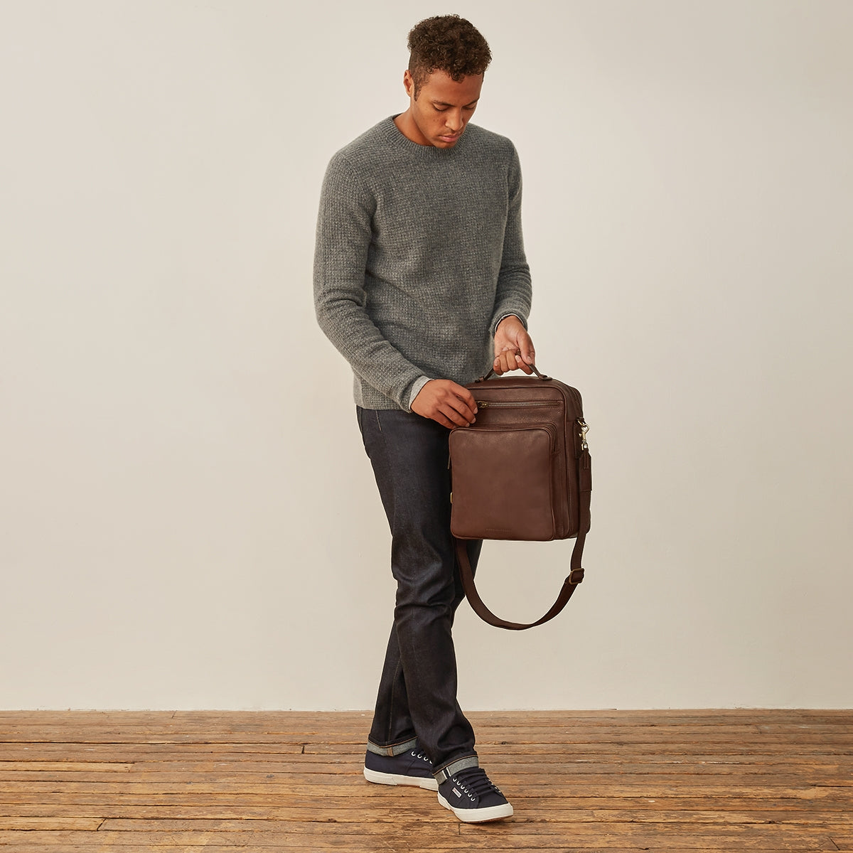 Image 10 of the 'SantinoL' Men's Brown Leather Convertible Backpack Shoulder