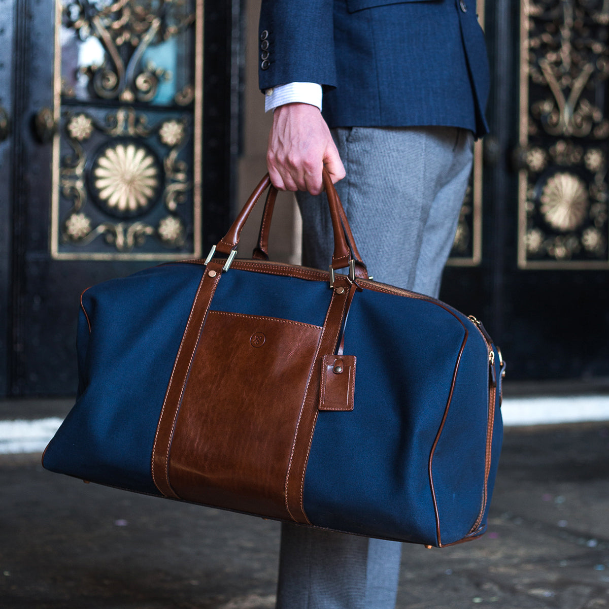 Image 6 of the Large 'Giovane' Rich Navy and Tan Holdall
