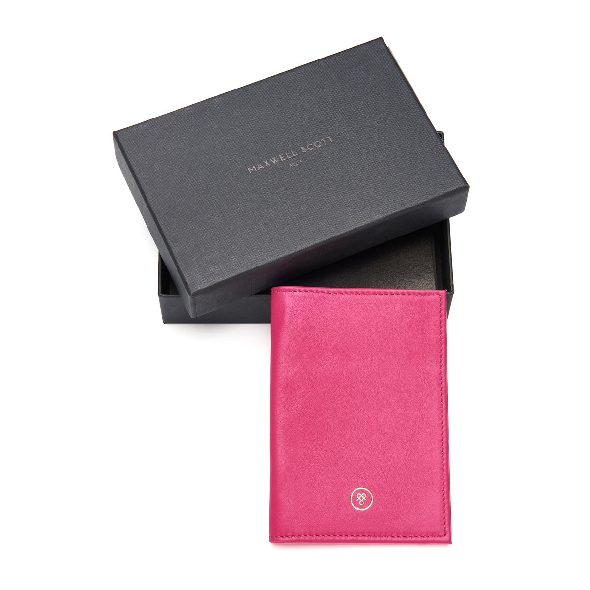 Image 6 of the 'Prato' Luxury Leather Passport Holder