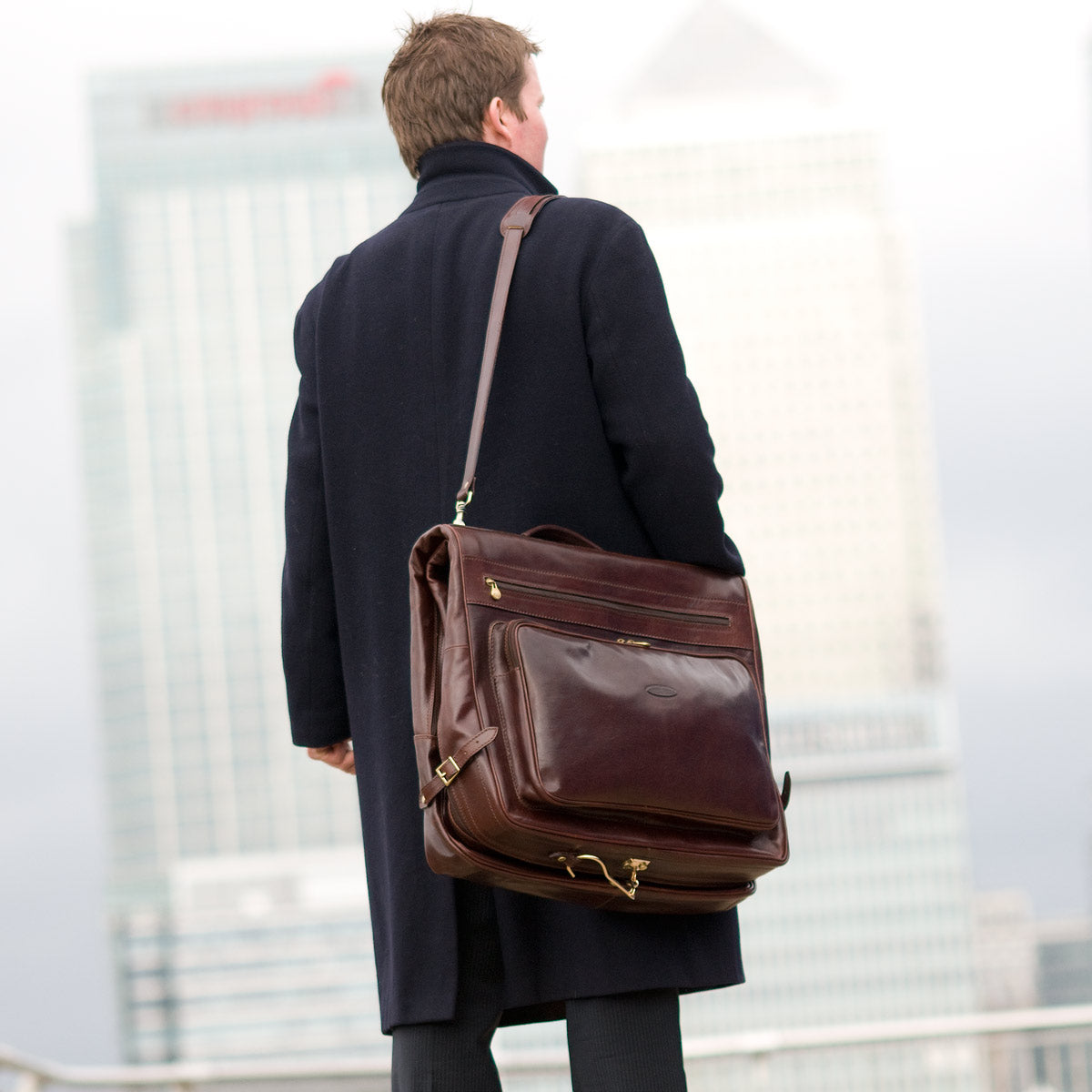 Image 7 of the 'Rovello' Dark Chocolate Veg-Tanned Leather Suit Carrier