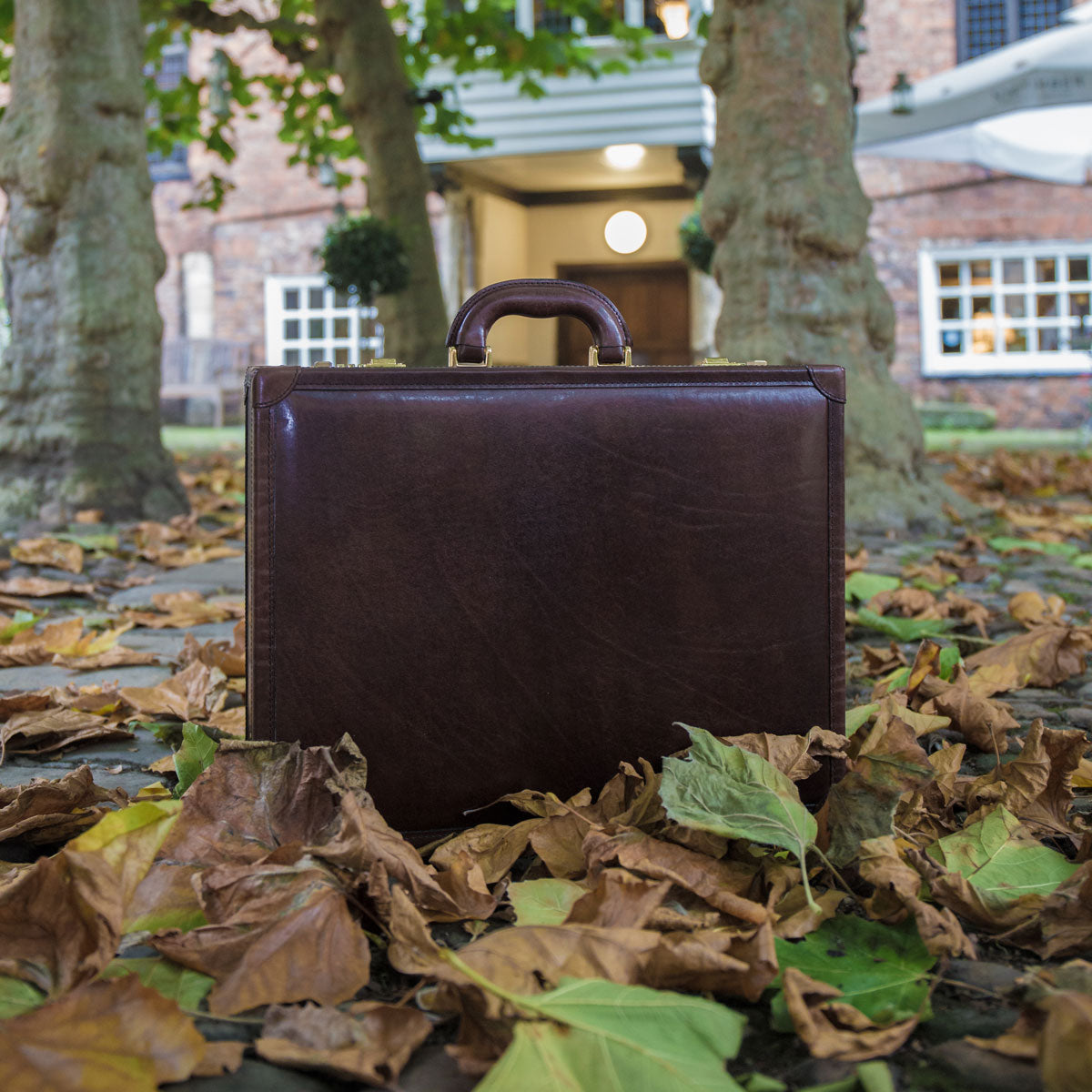 Image 8 of the 'Scanno' Slim Chestnut Veg-Tanned Leather Business Attaché Case
