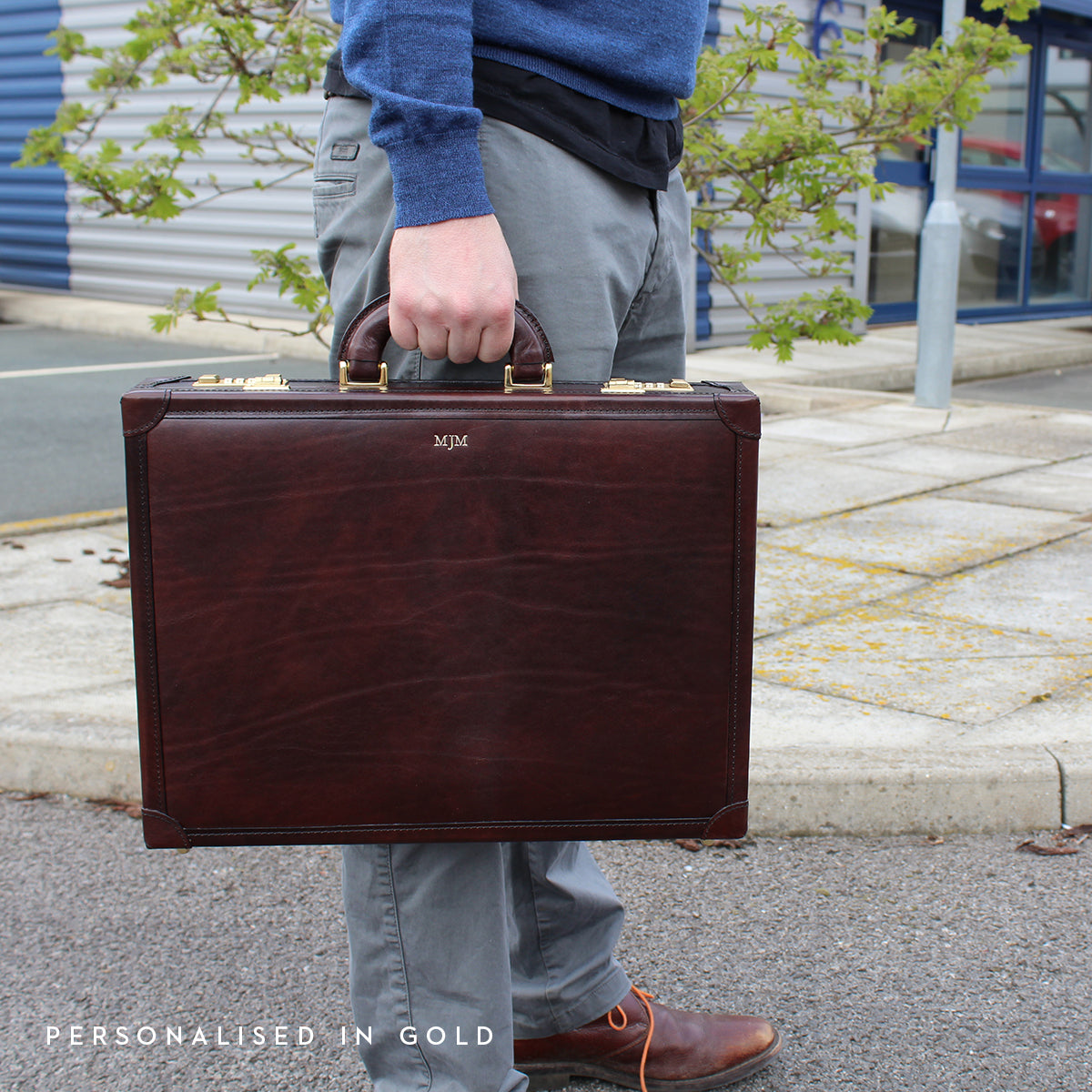 Image 7 of the 'Scanno' Slim Chestnut Veg-Tanned Leather Business Attaché Case