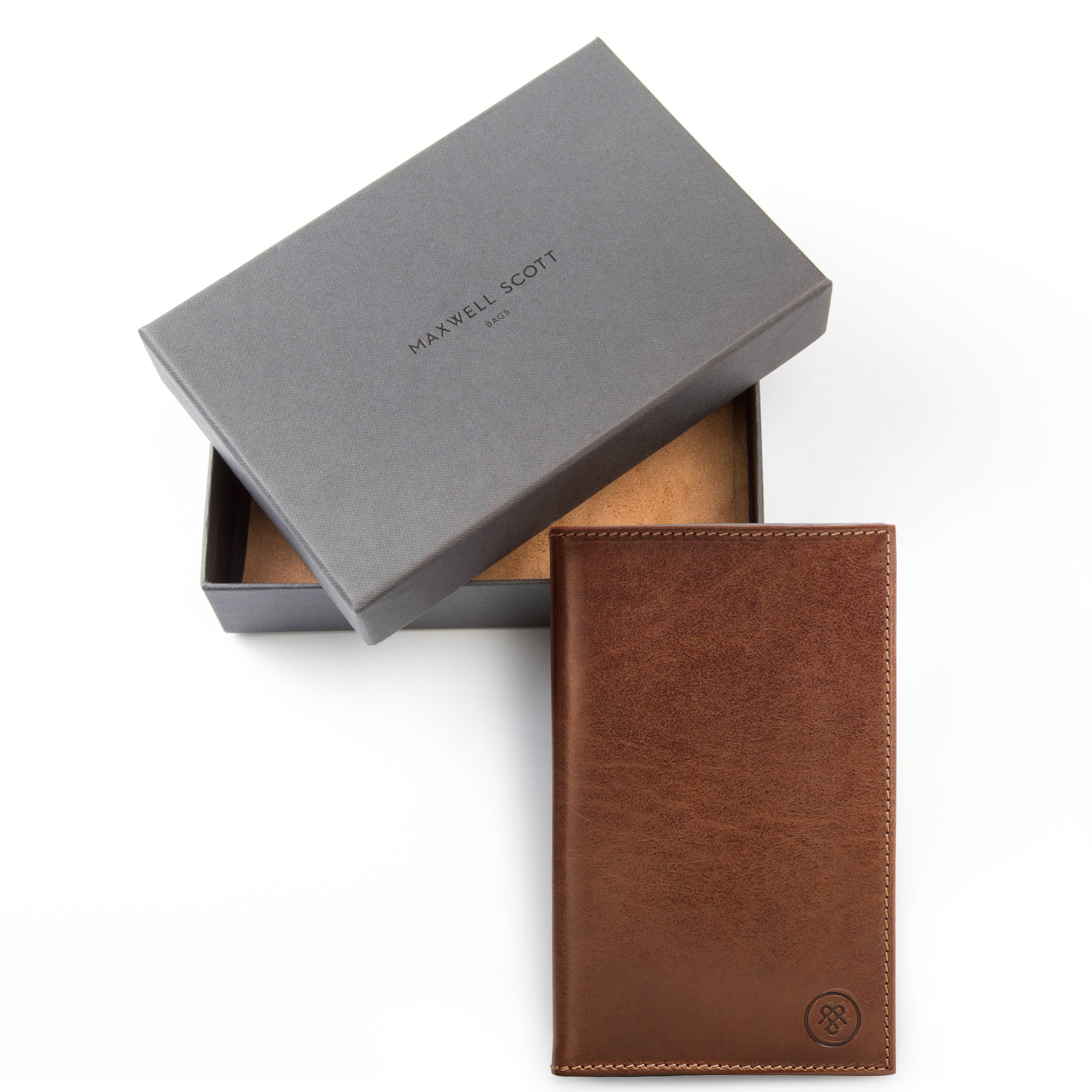 Image 6 of the 'Sestino' Chestnut Veg-Tanned Leather Golf Card Holder