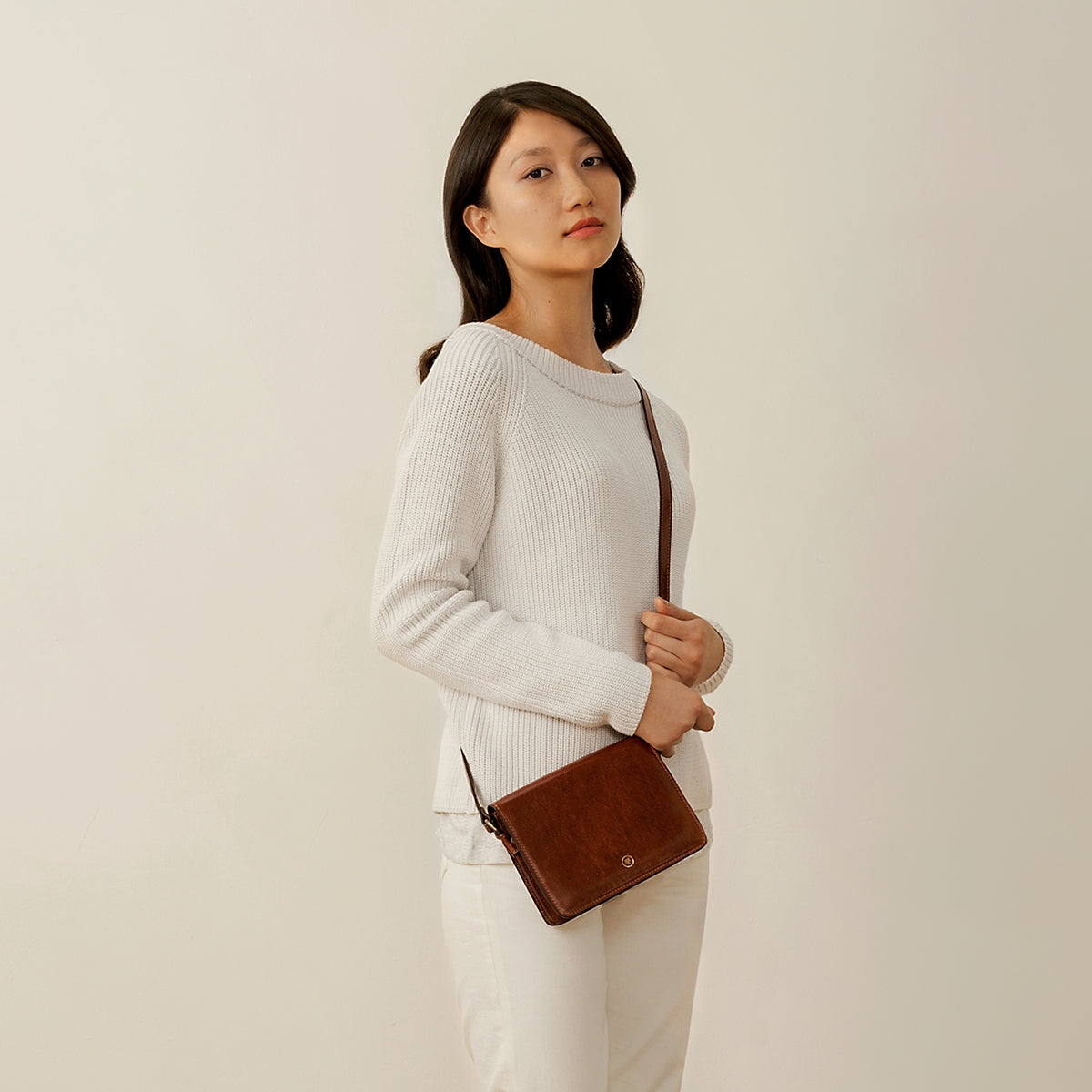 Image 7 of the 'Lucca' Small Chestnut Veg-Tanned Leather Handbag