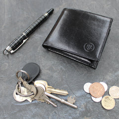 Image 7 of the 'Vittore' Black Veg-Tanned Leather Bi-Fold Wallet