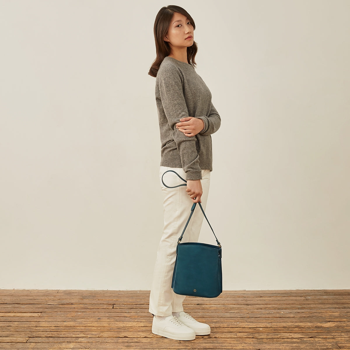 Image 9 of the 'Palermo' Petrol Leather Ladies Bucket Bag Handbag