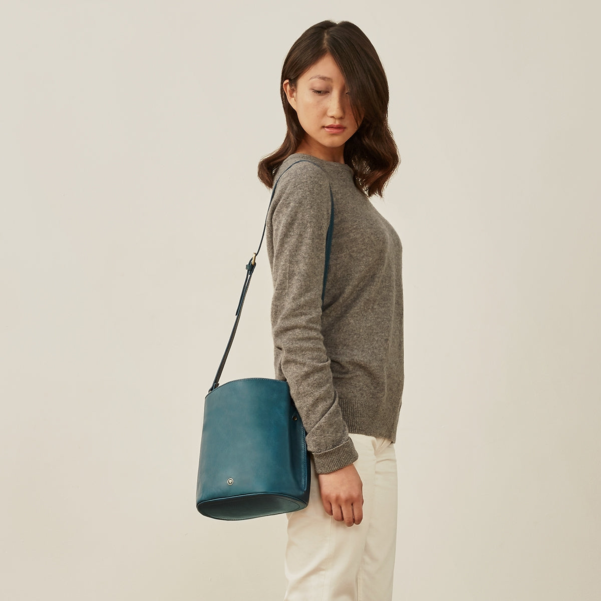 Image 8 of the 'Palermo' Petrol Leather Ladies Bucket Bag Handbag