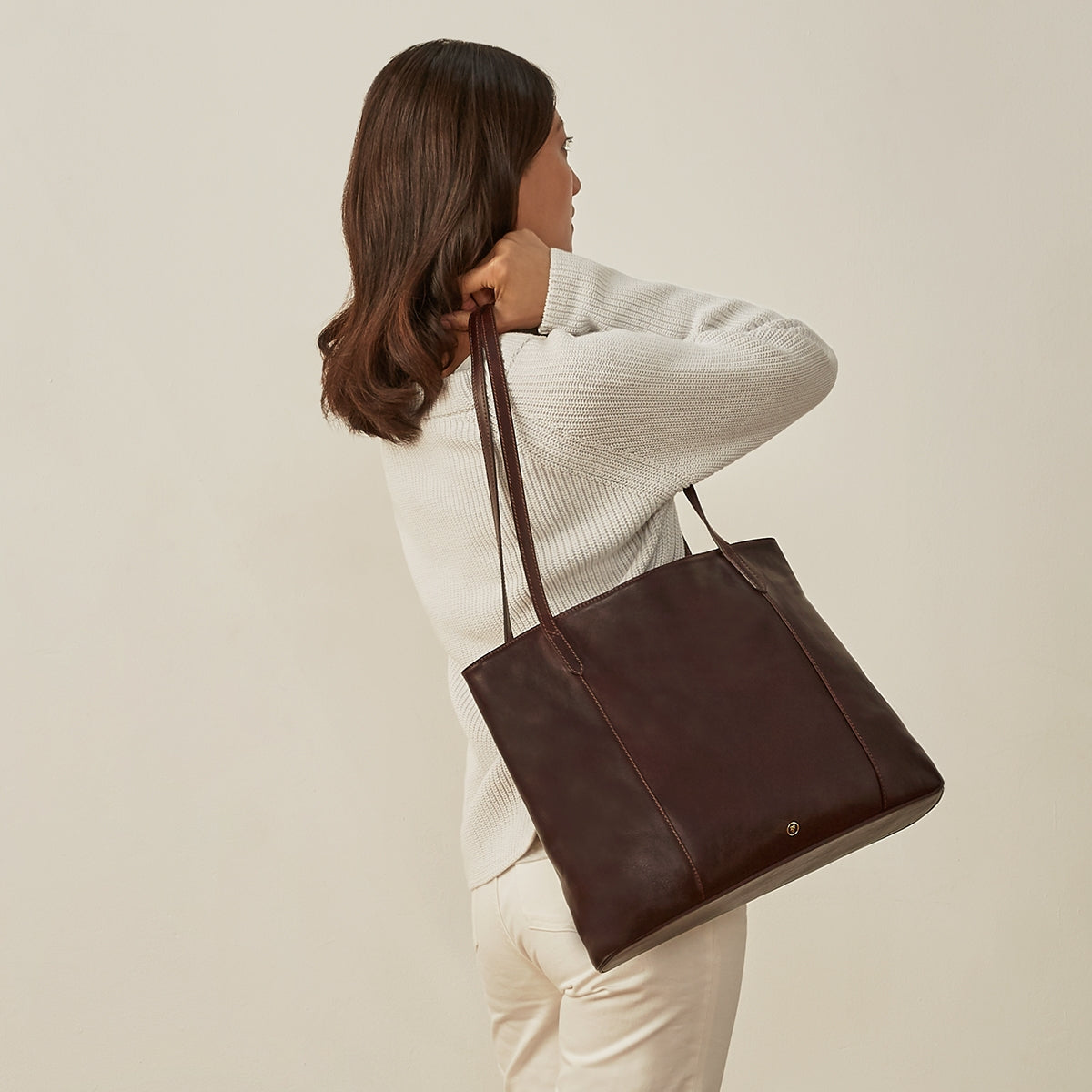 Image 8 of the 'Athenea' Dark Chocolate Veg-Tanned Leather Shopper