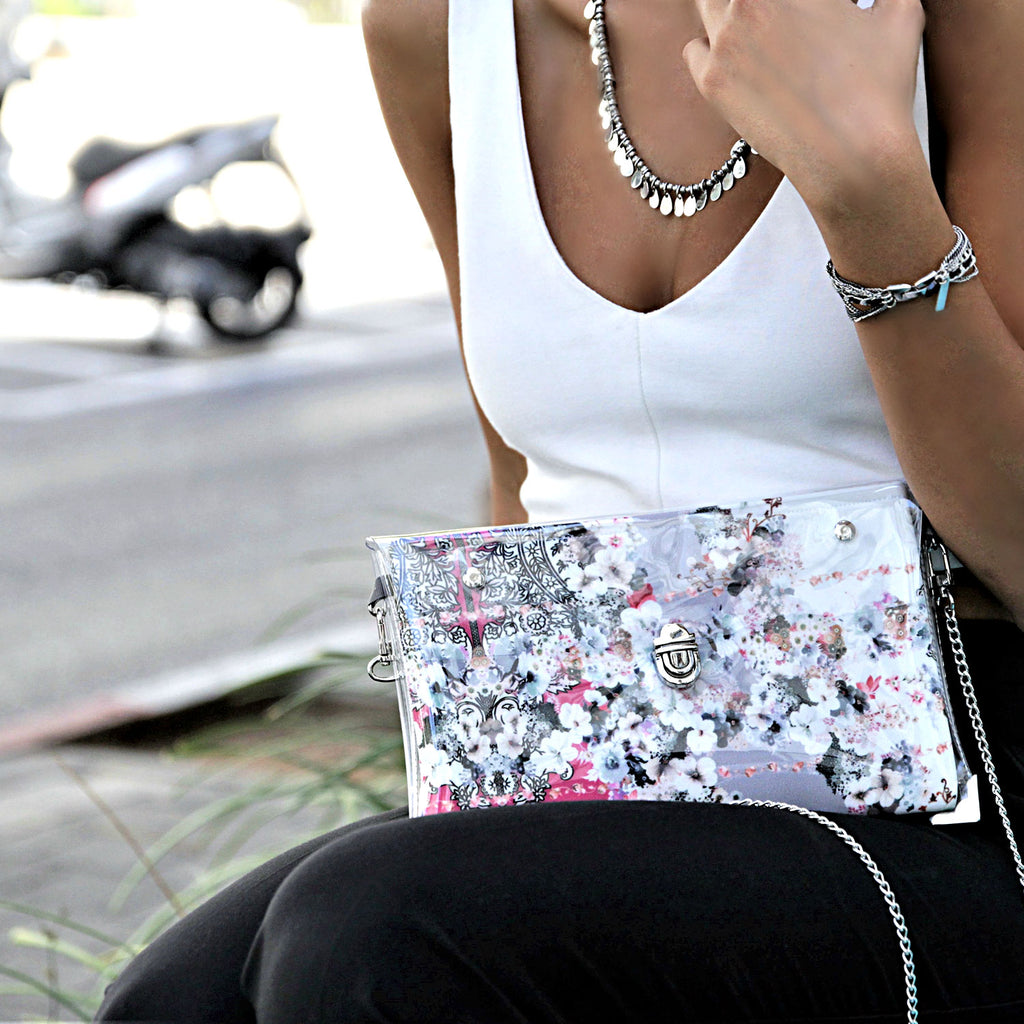 1 x Clutch + 1 x Extra Fabric Insert (Nicole + Miracle)